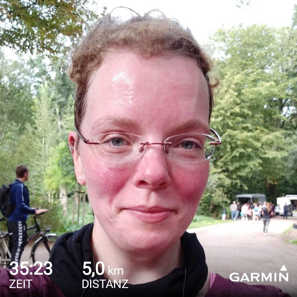 Frauenlauf Endzeit von Garmin mit Selfie